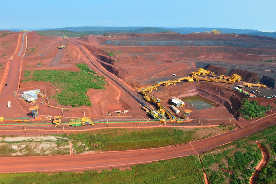 First shipment of iron ore from Vale's massive new S11D mine en route to Asia