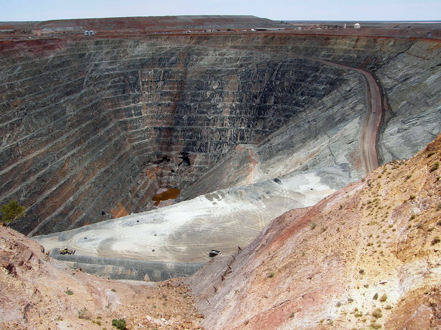 10 mines still making chunks of money if gold price falls 50% - Gwalia gold mine in Australia