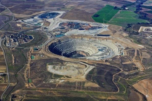 CLC open-pit copper mine, Sevilla Province, Spain. Source: first-quantum.com