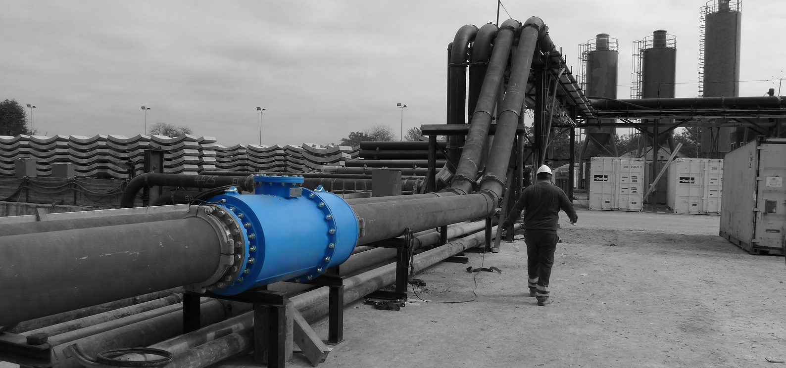 Versatile non-nuclear in-line slurry density meter for